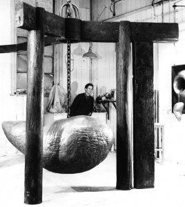 The artist in his studio<br>with Great Deity Enshrined, 1964 - image