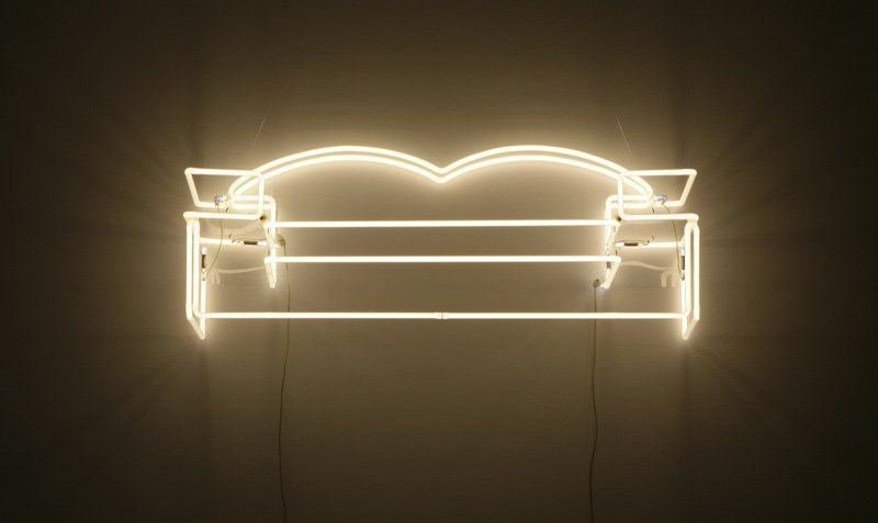 Neon Couch - Details